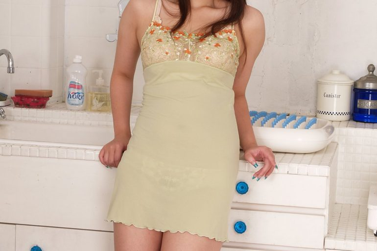 asian masseuse in london chelsea apartment